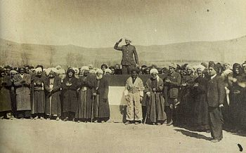 Mustafa_Barzani_in_Mahabad_Kurdish_Republic